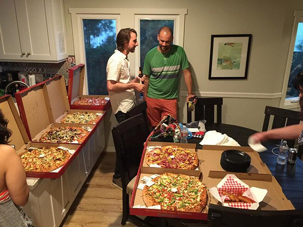 diviwcoc-friday-night-pizza-by-Geno-Quiroz
